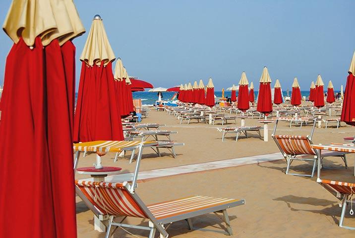 Hundeurlaub in Rimini findet auch am Strand statt